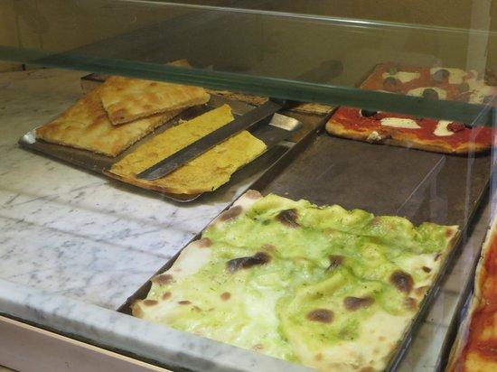 Torri di Porta Soprana: tray of farinata near the gates and mura del Barbarossa - €1 per slice!