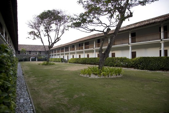 The Fortress Resort & Spa: Courtyard