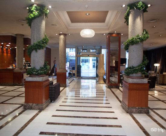 H10 villa de la reina boutique hotel hotel gran v a 22 - Villa de la reina madrid ...
