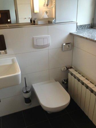 Hostel Köln: Bathroom