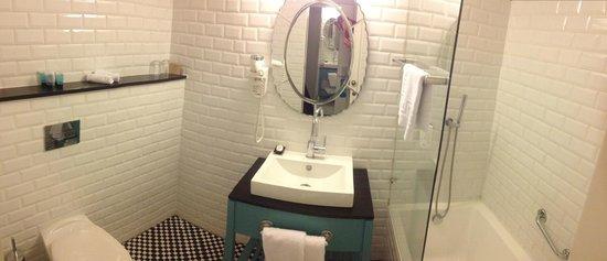 Center Chic Hotel Tel Aviv - an Atlas Boutique Hotel: Bathroom 112