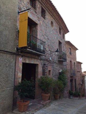 Hotel El Jardin Vertical: Un pueblo con encanto