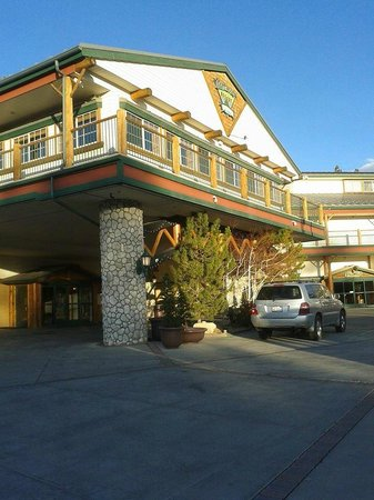 The Lodge at Big Bear Lake, a Holiday Inn Resort: Hotel front