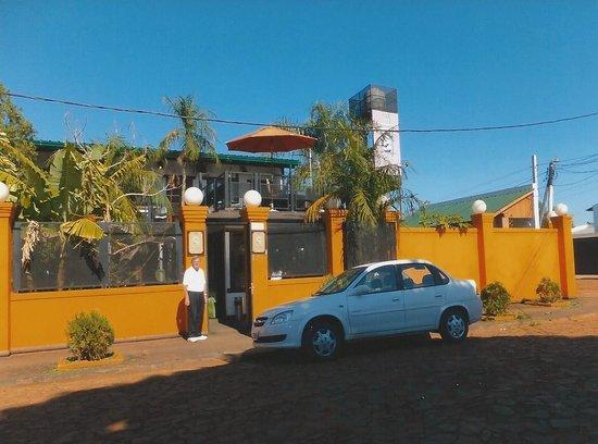 Petit Hotel Si Mi Capitan: Front entrance