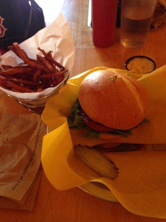 Fresh Burger Cafe: Soo good...
