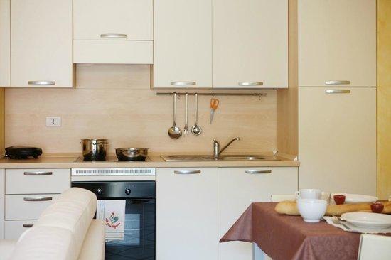 Residence Gardazzurro : Kitchen for each apartment