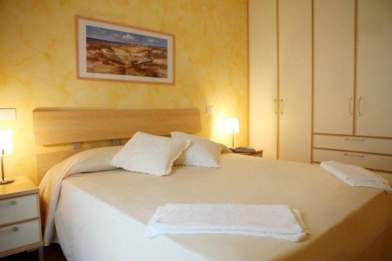 Residence Gardazzurro : Master bedroom