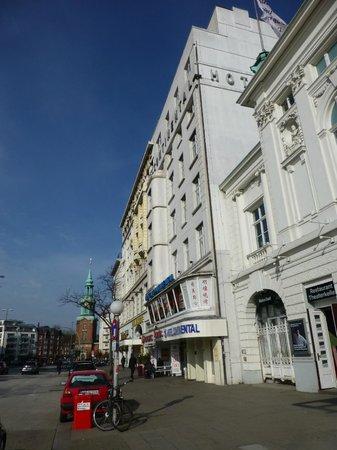 Novum Hotel Continental Hamburg Hauptbahnhof : hotel from street