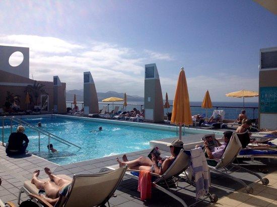 Reina Isabel Hotel: Reina Isabel pool