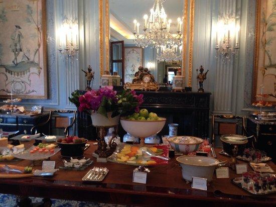 Four Seasons Hotel des Bergues Geneva: Breakfast at the four seasons des Bergues Geneva.