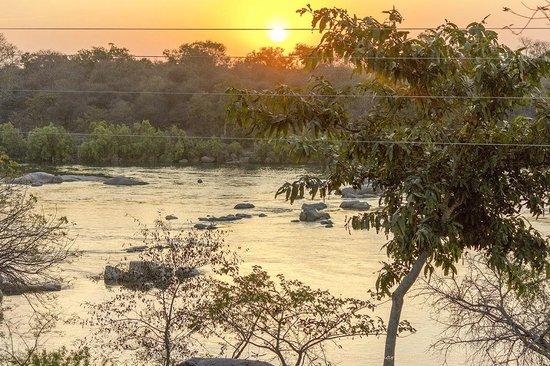 Bundelkhand Riverside: Sun rise over Betwa River