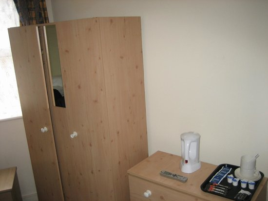 Pembury Hotel: bedroom