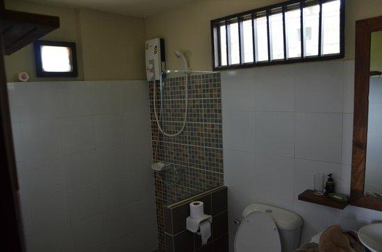 Coco Lanta Resort: La salle d'eau
