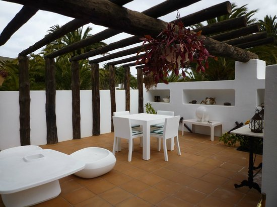Casa / Museo Cesar Manrique : pool bar