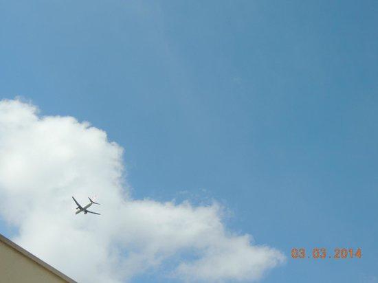 Quality Hotel Faria Lima: aviões passam o tempo todo.