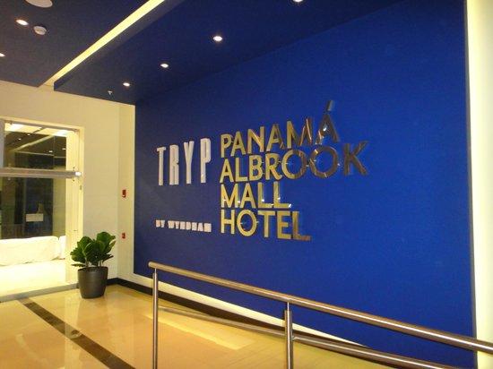 Wyndham Panama Albrook Mall: Quieres un buen hotel en Panama?