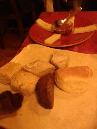 Locanda del Cantiniere: piatto con il pane