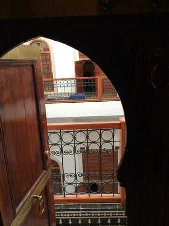 Riad Layali Fes: Vista dalla porta della camera