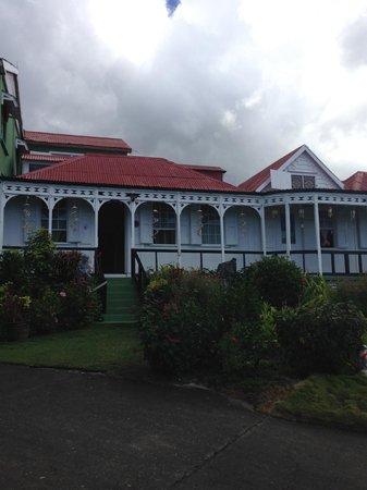 Clay Villa Plantation House & Gardens: Front of Clay Villa