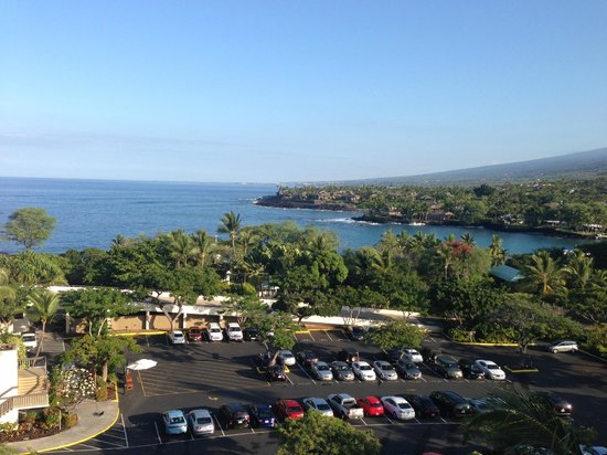Sheraton Kona Resort & Spa at Keauhou Bay: View from the lanai (balcony) of partial property and ocean view