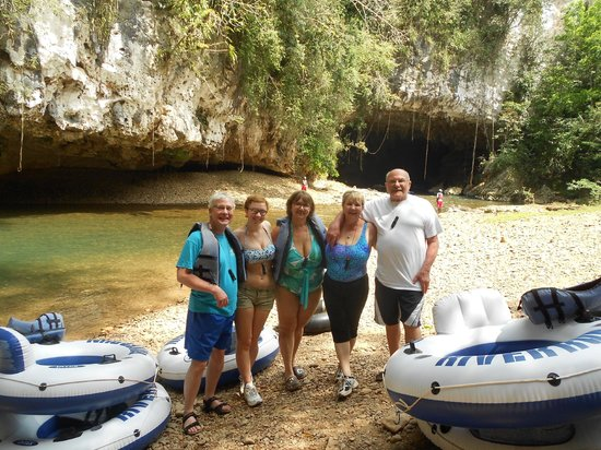 Cave Tubing R Us: Our family group