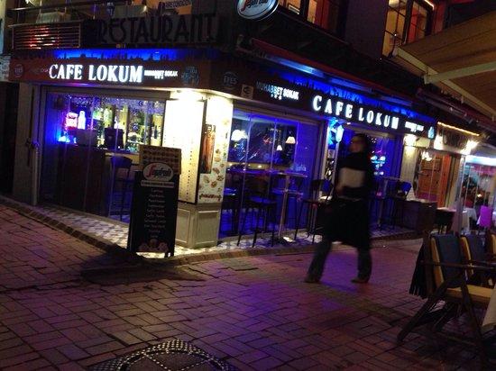 Cafe Lokum: Sokaktan