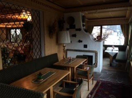 Hotel Catinaccio Rosengarten: Lobby