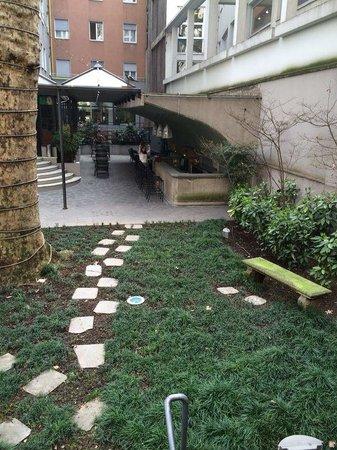 Hotel Manin : Inside yard