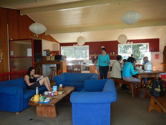 Punakaiki Beach Hostel: cuisine & salon