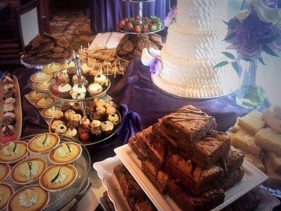 Sassy Cakes: Dessert bar!