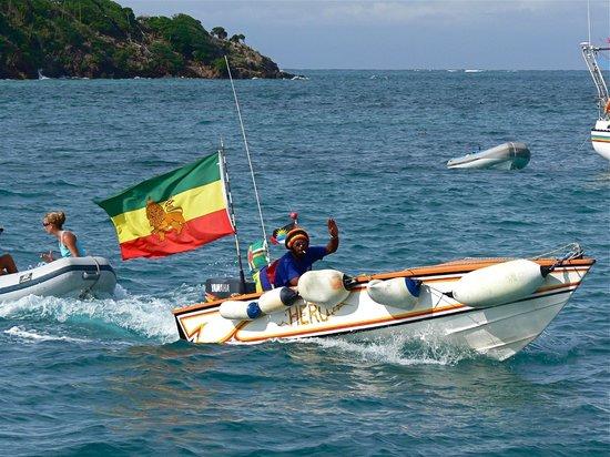 Tobago Cays: Local supplies