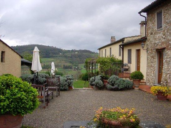 Relais Poggio Borgoni: veduta esterna di alcune camere