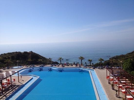 Auramar Beach Resort : view from restaurant balcony
