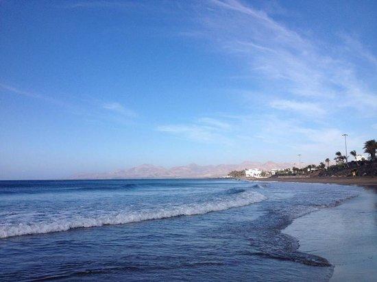 Las Tabaybas: Beach, just 50 meters away.