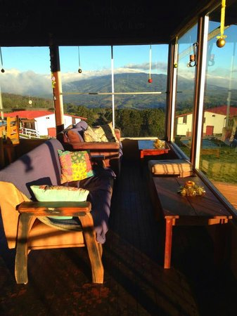 Poas Lodge and Restaurant: Lobby Area