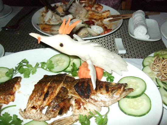 Vedana Lagoon Resort & Spa : Wonderful food and vegetable carving