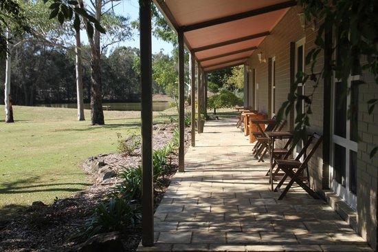 Possum's Retreat: Front Verandah