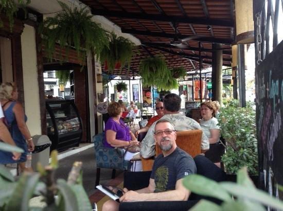 Cafe Cafesto: un bon café + wi-fi performant et gratuit