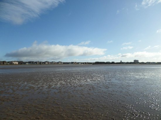 Saltcoats Beach: view of saltcoats/ ardrossan at low winter tide from south beach
