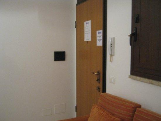CasaTrapani B&B ed Appartamenti: ingresso su cucina