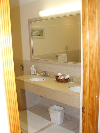 Pompano Beach Club: bathroom