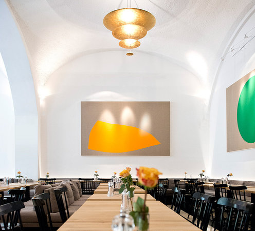 Prinz Myshkin: Former old brewery halls, now the modern main dining room