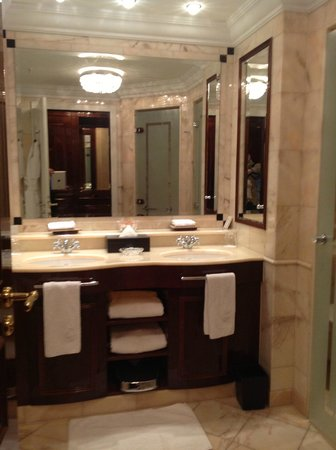 The Ritz-Carlton, Berlin: Bathroom