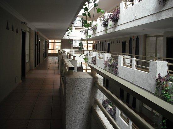 Kn Columbus Aparthotel : Corridor 3rd floor