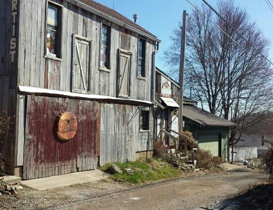 Captain Wohlt Inn: alley behind inn