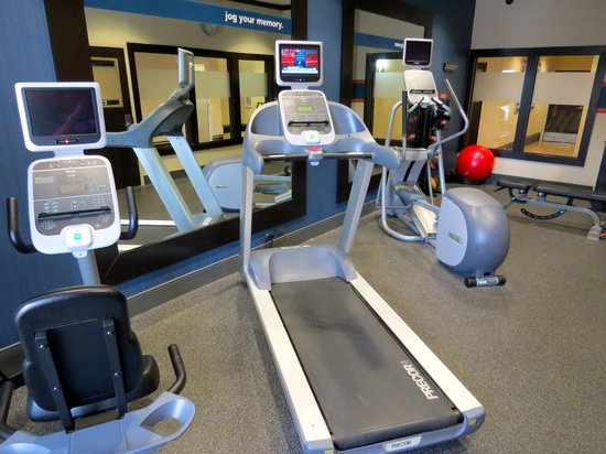 Hampton Inn & Suites Rockport - Fulton: Exercise equipment