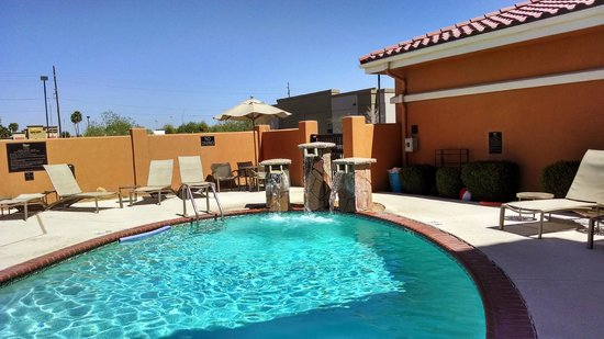Homewood Suites Yuma : waterfall