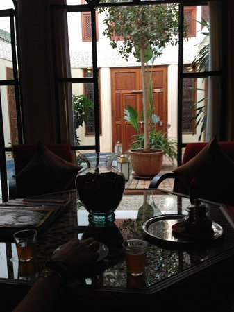 Riad de la Belle Epoque: Welcome tea upon our arrival.