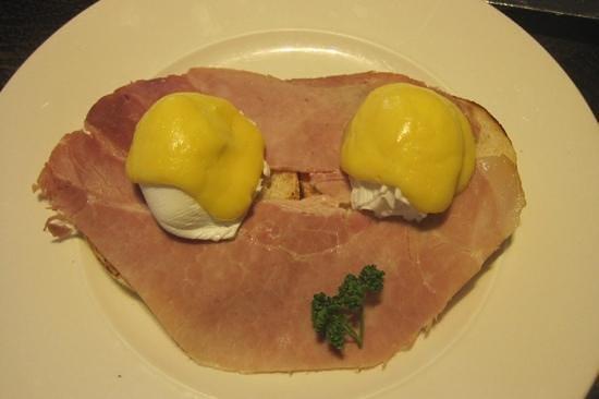 Blythswood Square: breakfast eggs Benedict