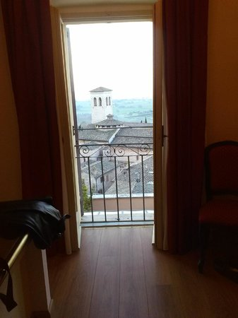 Hotel Giotto Assisi: Room with a fantastic view